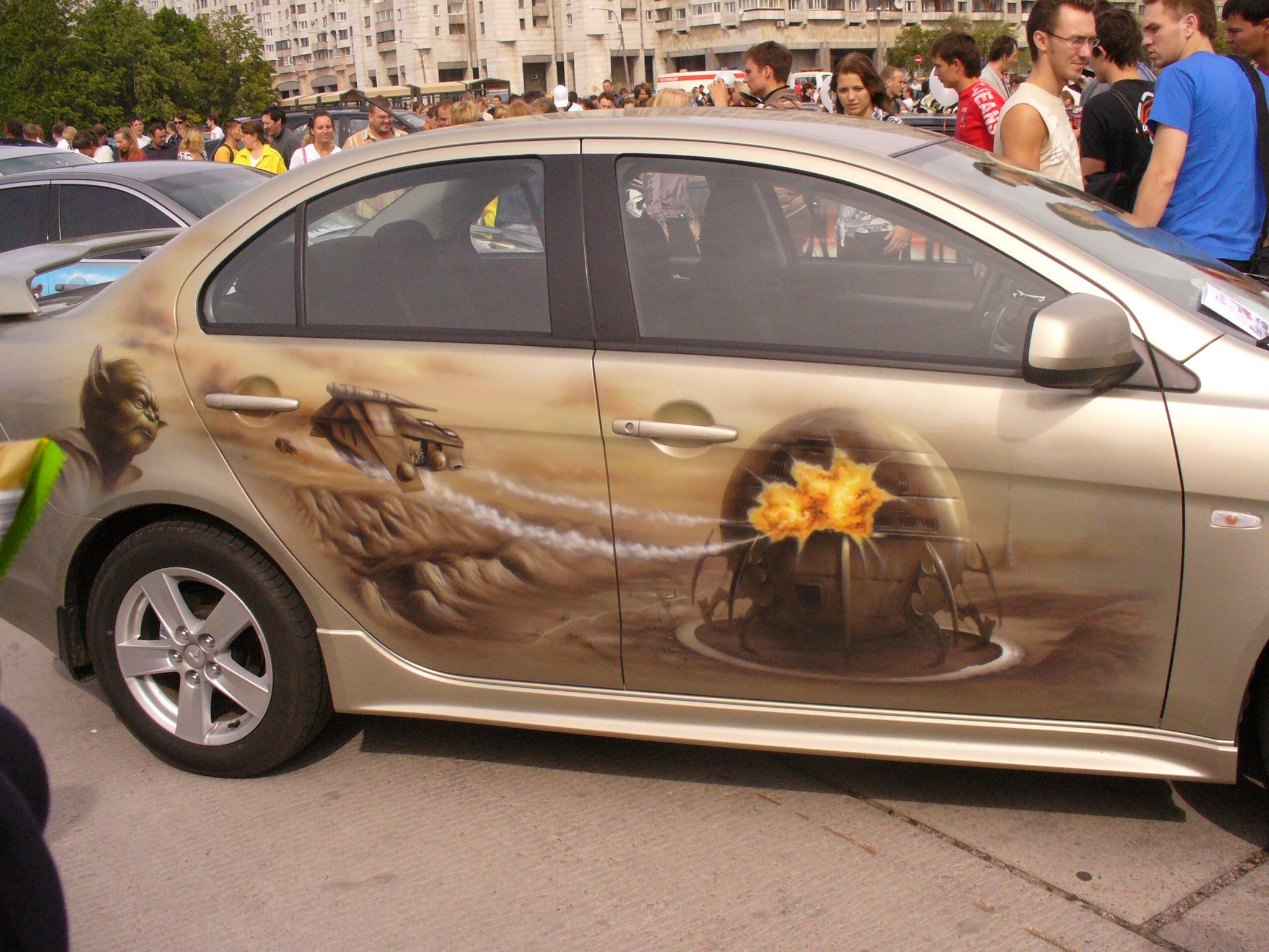 Машина в узорах фото